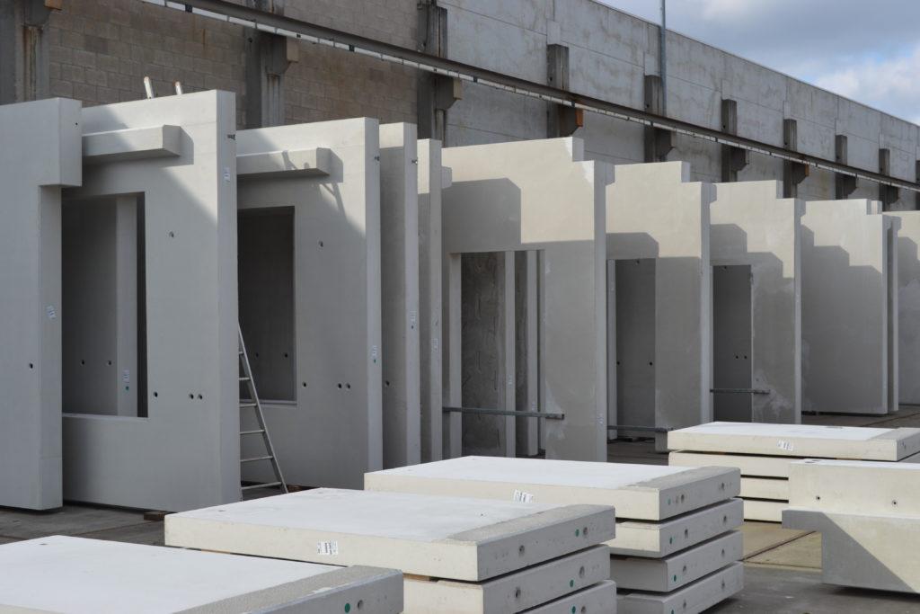 Prefab betonpanelen met dagmaat voor schrijnwerk
