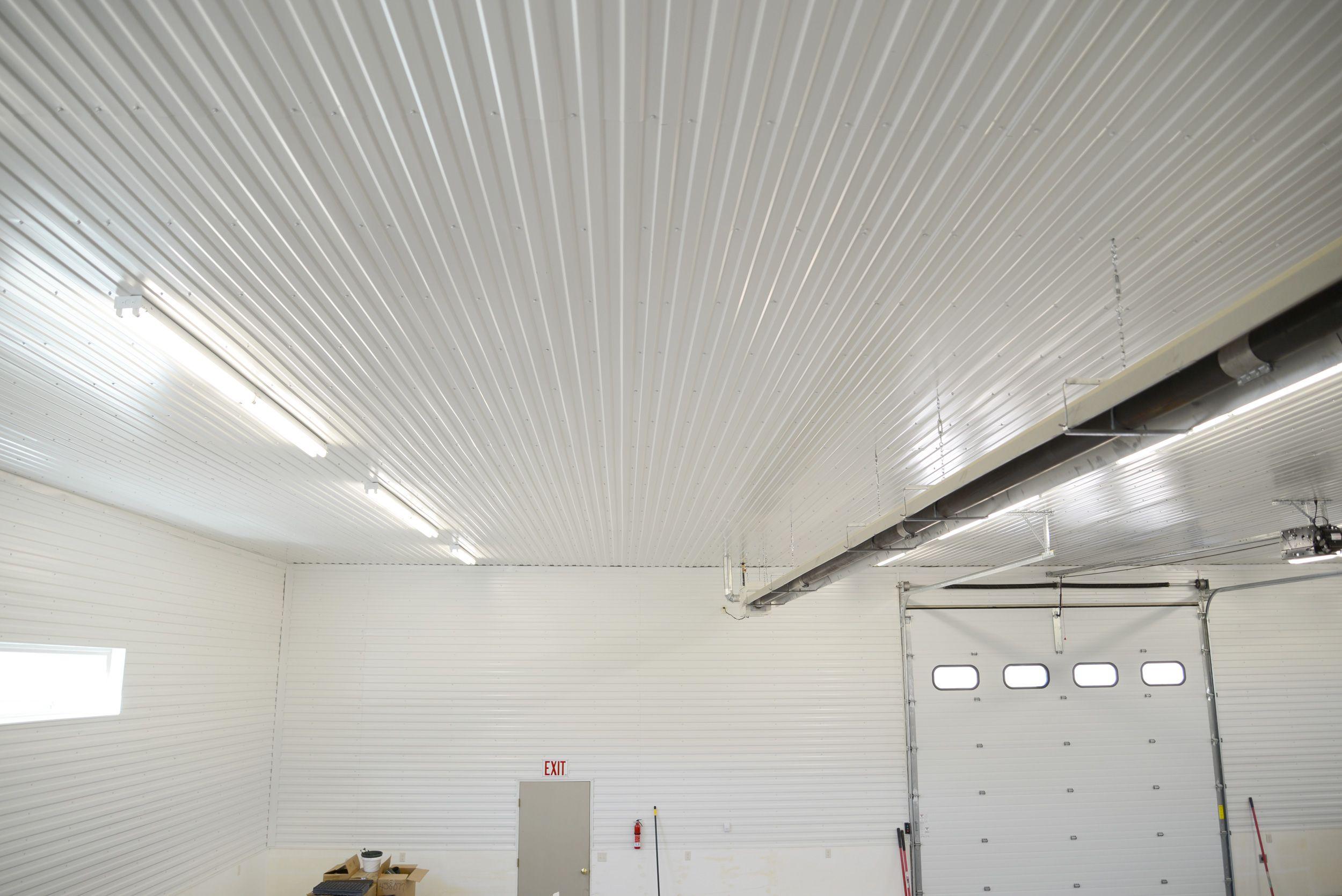 Sandwich plafond met licht ophangen